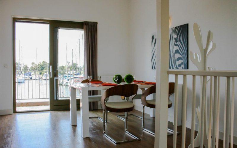 roggebroek-huisje14-eettafel-Custom-1024x682