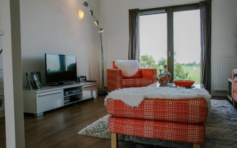 roggebroek-huisje14-eettafel-woonkamer-Custom-1024x682