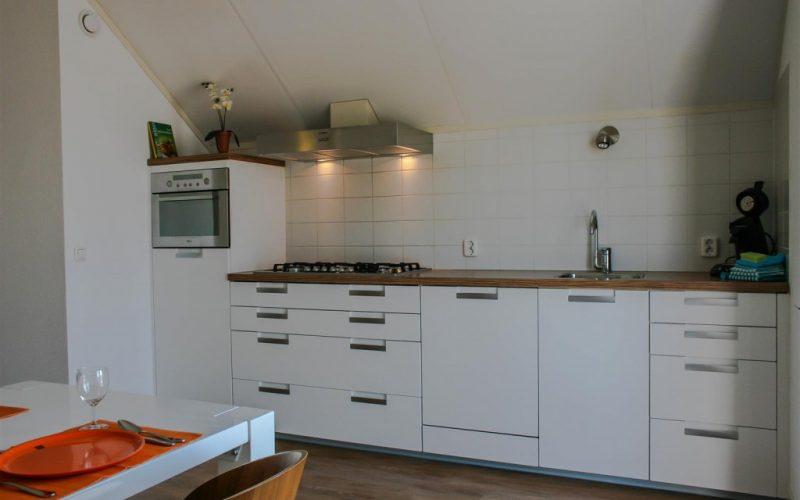 roggebroek-huisje14-keuken-1-Custom-1024x682